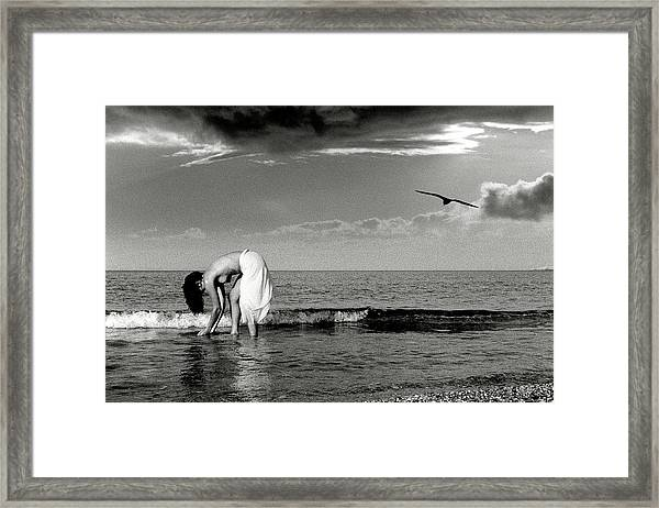 Black And White Nude 015 Framed Print