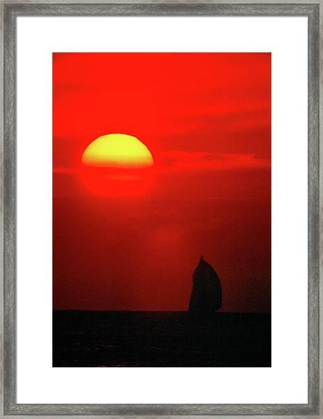 Downwind To Kauai Framed Print