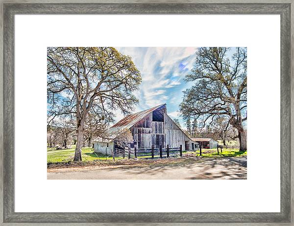 Framed Print featuring the photograph Mccourtney Barn by William Havle