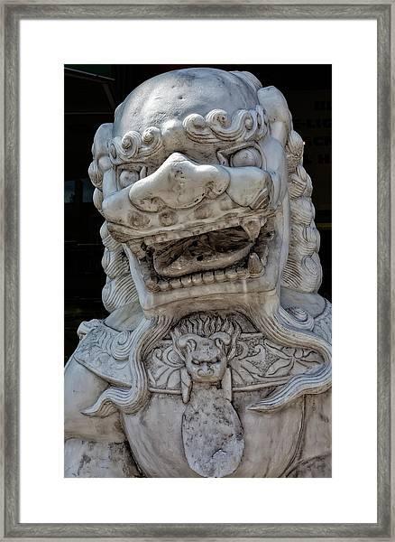 Stone Lion Chinatown Nyc Framed Print by Robert Ullmann