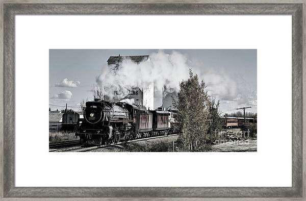 2816 At Dewinton Framed Print