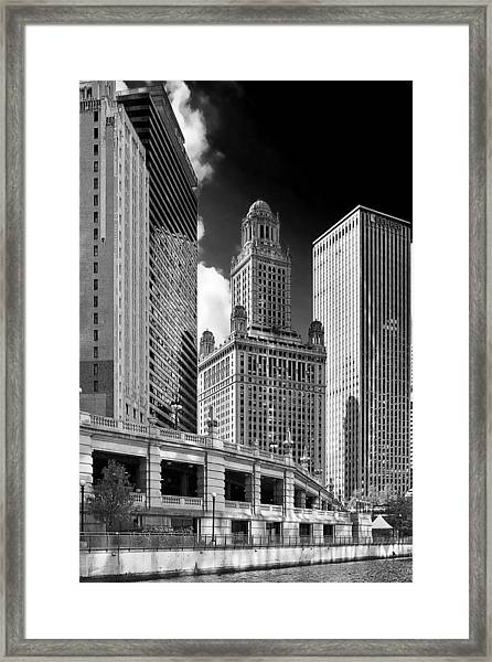 35 East Wacker Chicago - Jewelers Building Framed Print