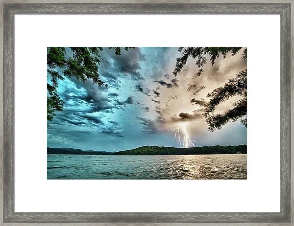 Beautiful Landscape Scenes At Lake Jocassee South Carolina Framed Print