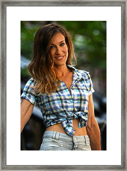 Sarah Jessica Parker On The Set Of Sex And The City 2 Framed Print