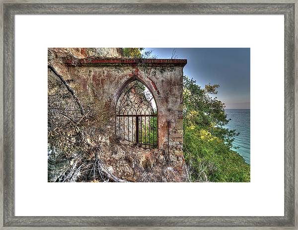 Abandoned Places Iron Gate Over The Sea - Cancellata Sul Mare Framed Print