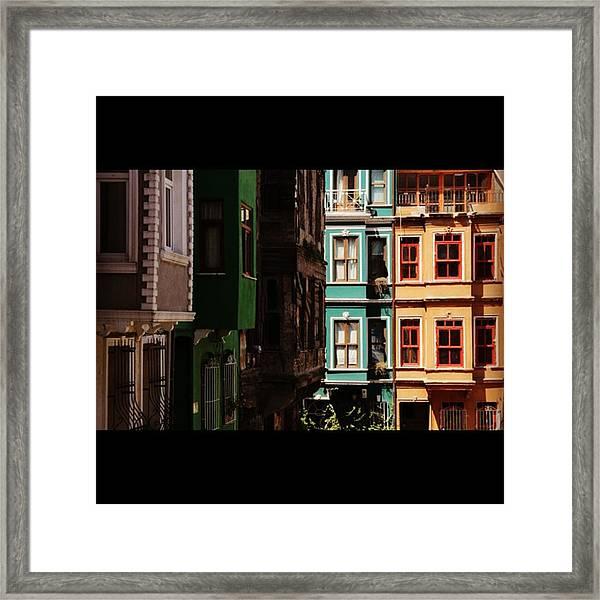 #balat #istanbul #eskibinalar #renkli Framed Print