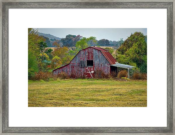 Barn On White Oak Road Framed Print