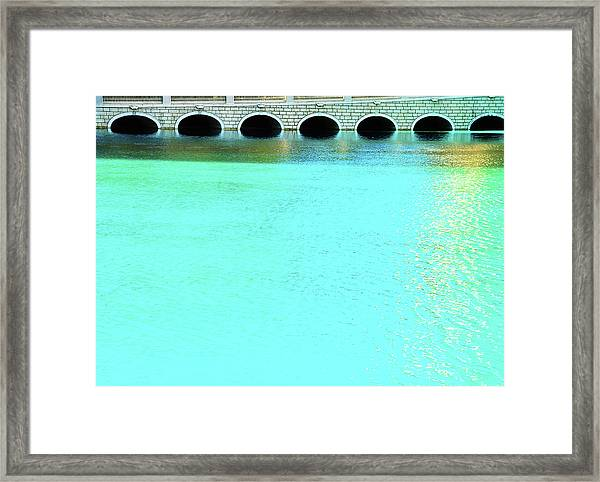 Belaggio Bridge Framed Print