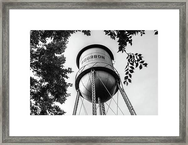 Bourbon Missouri Usa Vintage Water Tower - Black And White Framed Print
