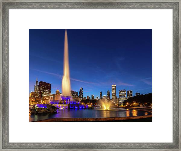 Buckingham Fountain At Dusk Framed Print
