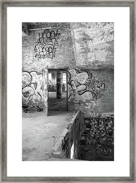 Clothcraft In Black And White Framed Print