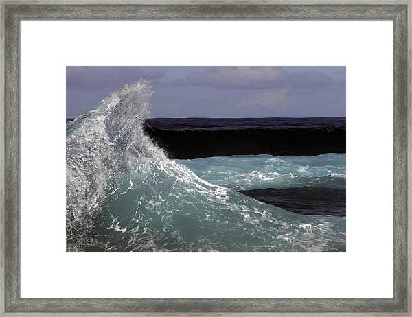 Crest, North Beach, Oahu Framed Print
