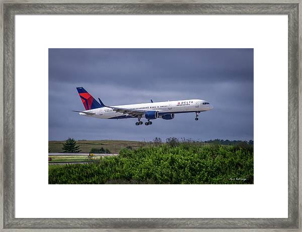 Delta Air Lines 757 Airplane N557nw Art Framed Print