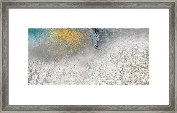 En Calma Framed Print