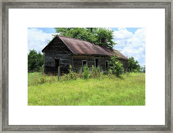 Farmhouse Abandoned Framed Print