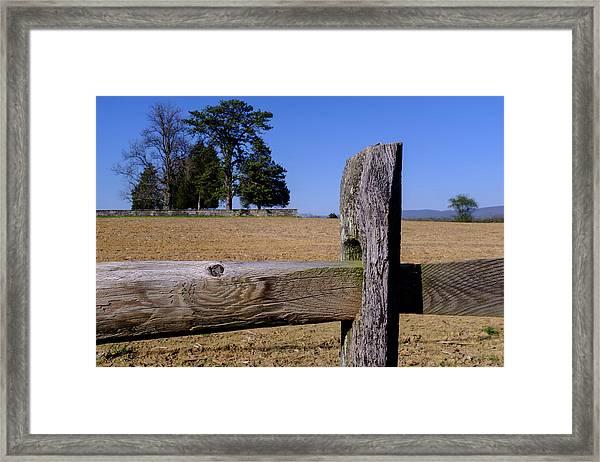 Fence And Farm On A Civil War Battlefield In Antietam Creek Mary Framed Print
