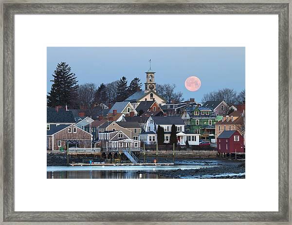 Full Moon Over Portsmouth Framed Print by Eric Gendron