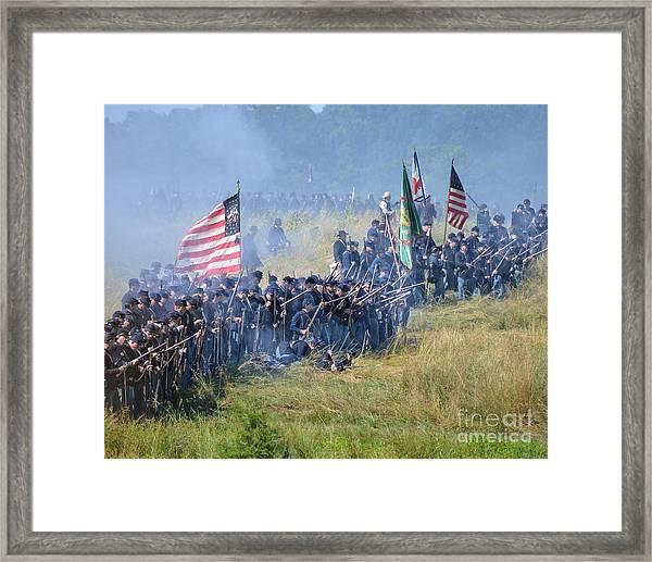 Gettysburg Union Infantry 8948c Framed Print