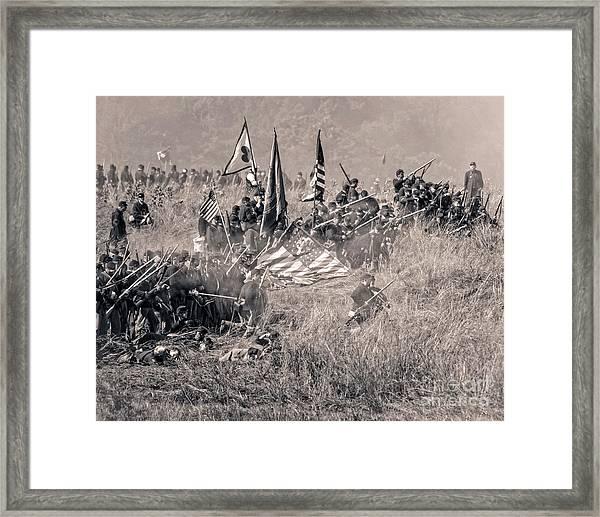 Gettysburg Union Infantry 8963s Framed Print