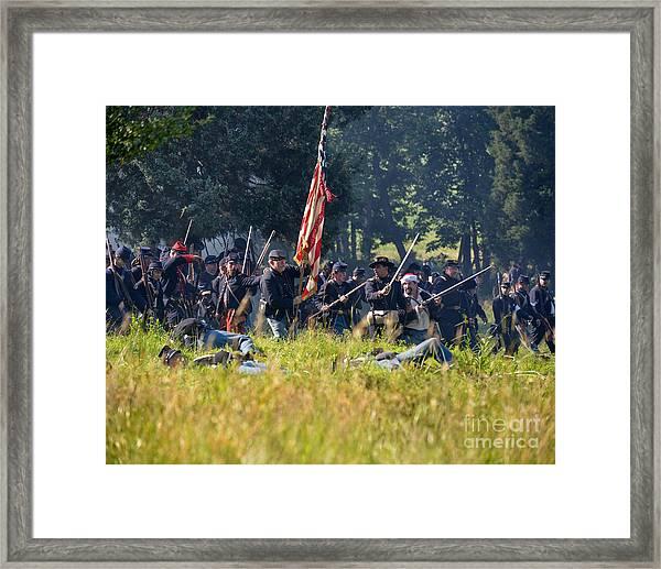 Gettysburg Union Infantry 9348c Framed Print