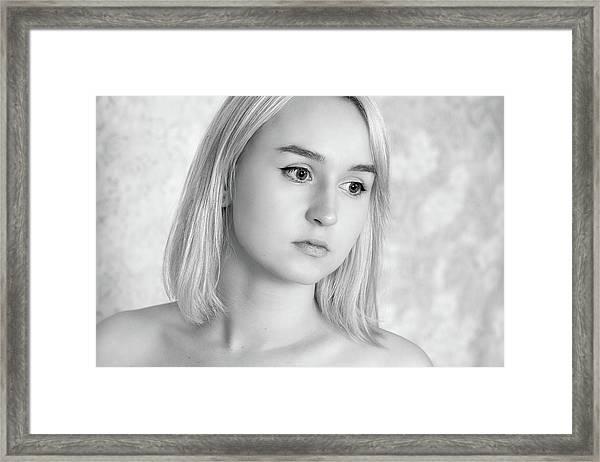 Girl #7259 Framed Print