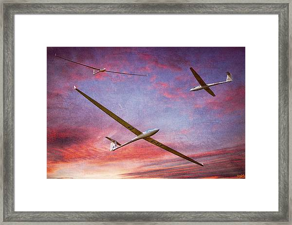 Gliders Over The Devil's Dyke At Sunset Framed Print