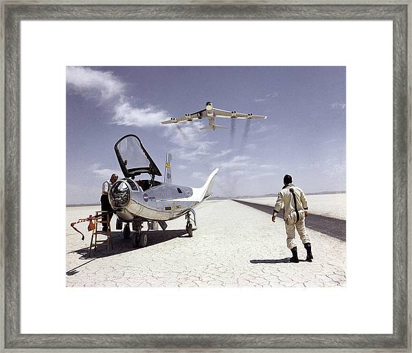 Hl-10 On Lakebed With B-52 Flyby Framed Print