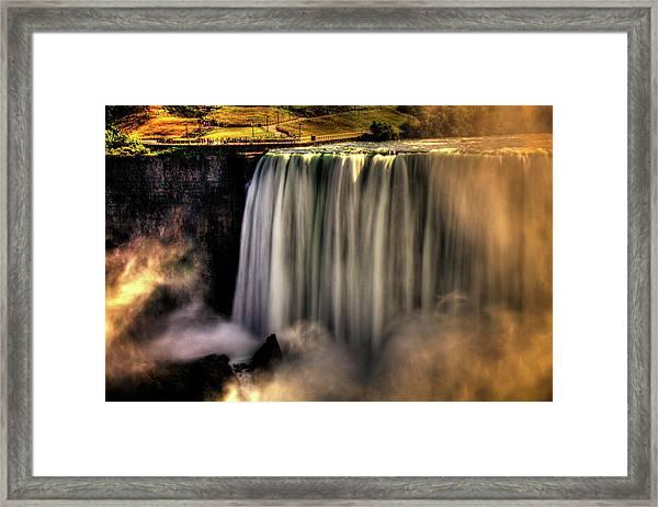 Horseshoe Falls Early Autumn No 03 Framed Print