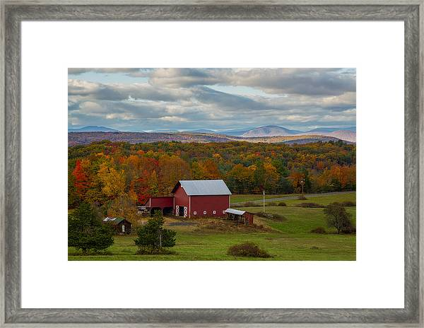Hudson Valley Ny Fall Colors Framed Print