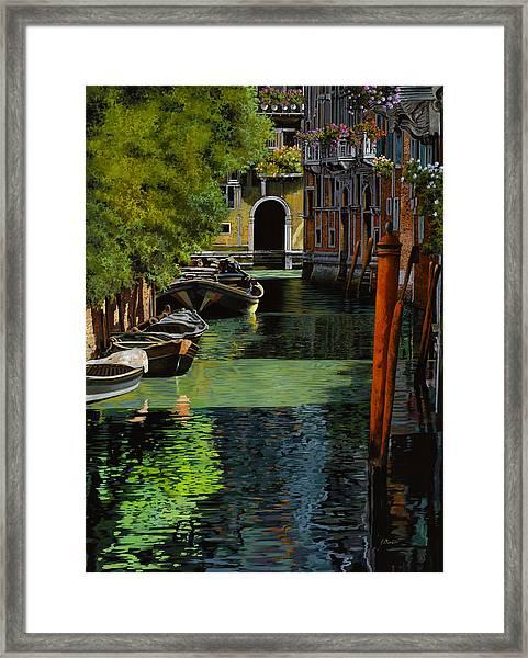 il palo rosso a Venezia Framed Print