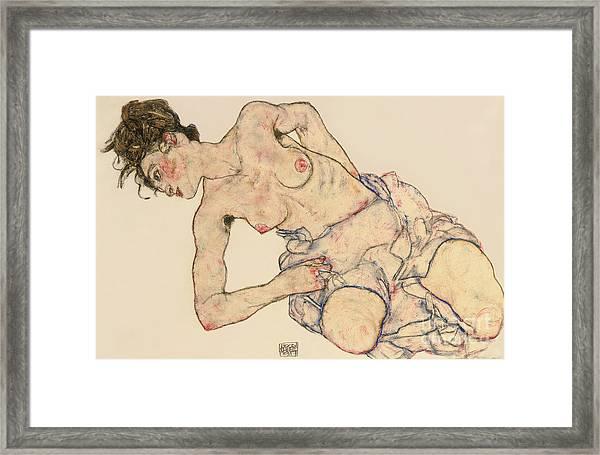 Kneider Weiblicher Halbakt Framed Print