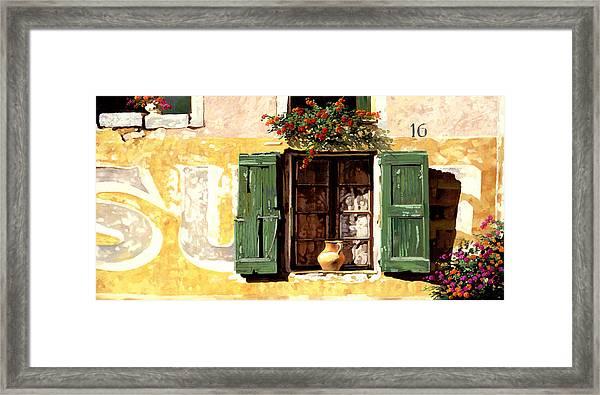 la finestra di Sue Framed Print