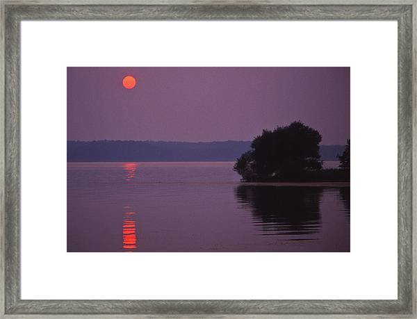 Land-between-the-lakes Sunset - 1 Framed Print by Randy Muir
