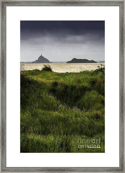 Le Mont Saint-michel Et Tombelaine Framed Print