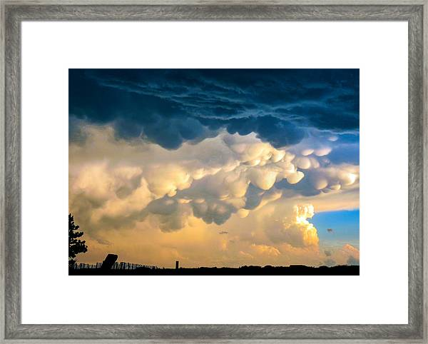 Mammatus Clouds At Sunset Framed Print