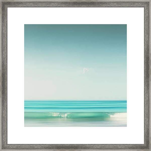 Minimal Wave Framed Print