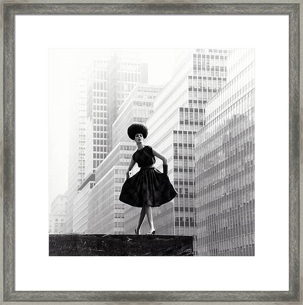 Model Wearing Lilly Dache Hat In New York City Framed Print
