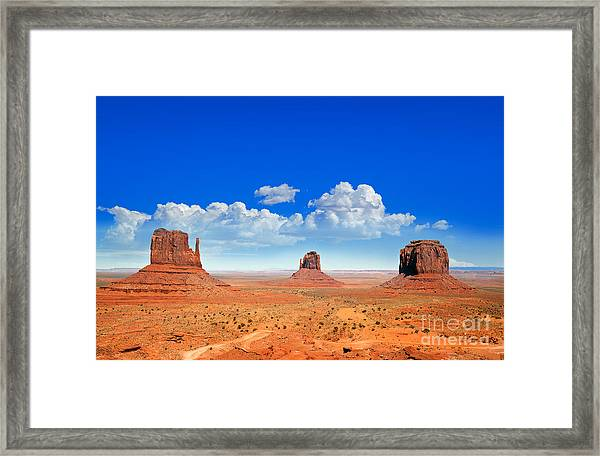 Monument Vally Buttes Framed Print