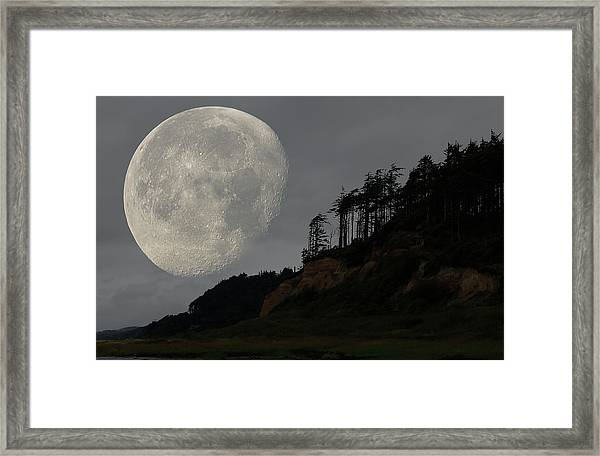 Moon At Roosevelt Beach Wa Framed Print