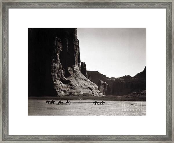 Navajos Canyon De Chelly, 1904 Framed Print