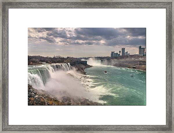 Niagra Waterfalls Framed Print