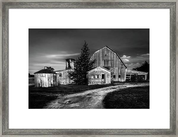 Ohio Barn At Sunrise Framed Print