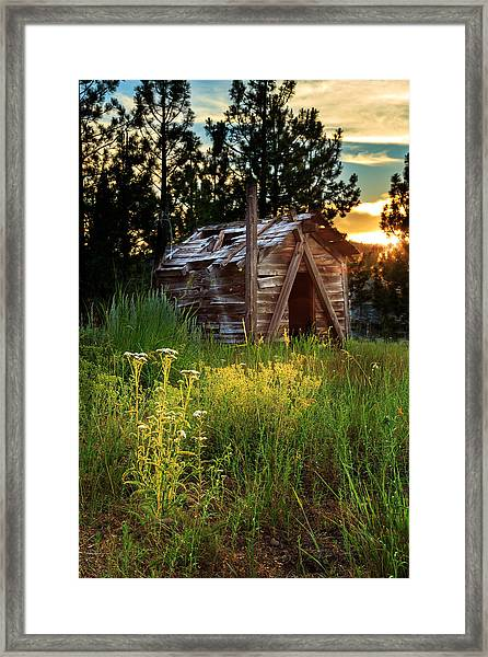 Old Cabin At Sunset Framed Print