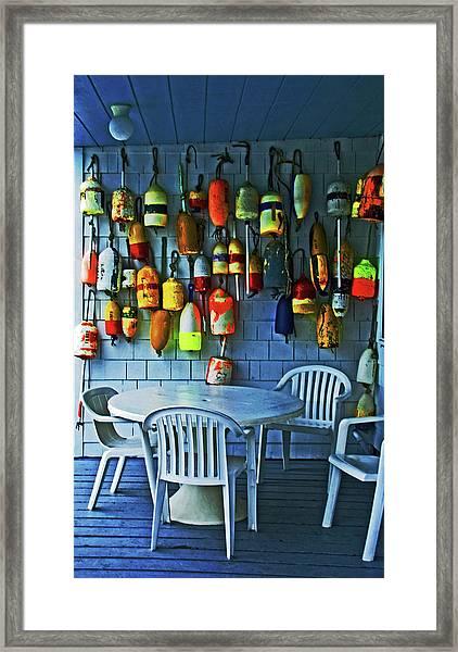 Outdoor Cafe, Block Island, Ri Framed Print