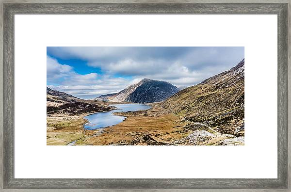Framed Print featuring the photograph Pen Yr Ole Wen by Nick Bywater