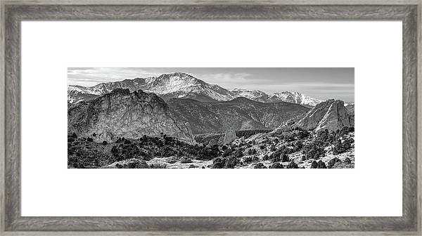Pikes Peak Panorama - Garden Of The Gods - Colorado Springs - Black And White Framed Print