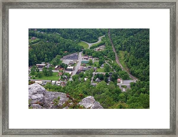 Pinnacle Overlook In Kentucky Framed Print