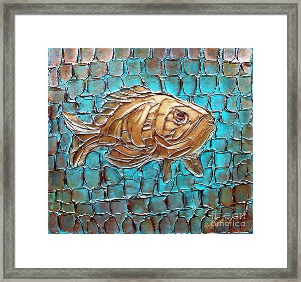 Poisson D'ore Framed Print
