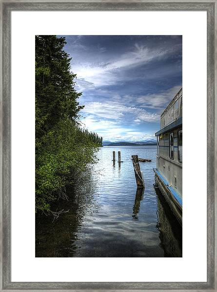 Priest Lake Houseboat 7001 Framed Print