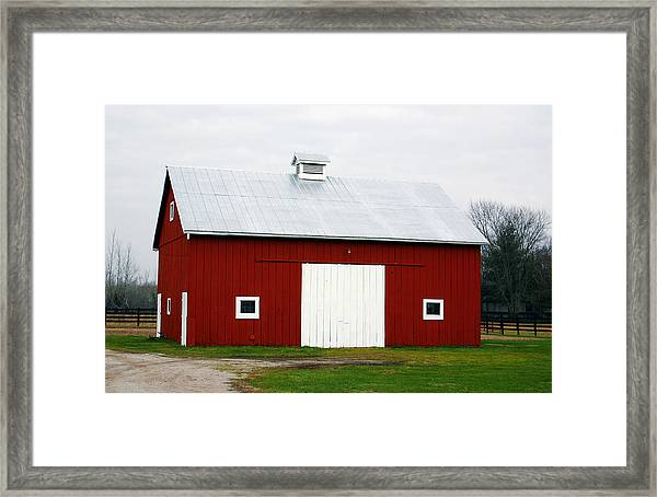 Red Barn- Photography By Linda Woods Framed Print